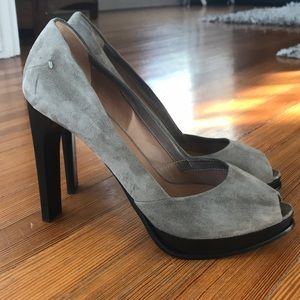 Costume National taupe suede pumps.